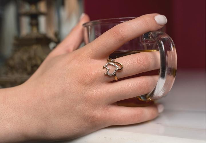 Δαχτυλίδι από Κίτρινο Χρυσό Κ09 με Ζιργκόν 022363